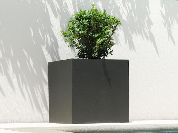Cubo Fiberstone Planter Black 64L