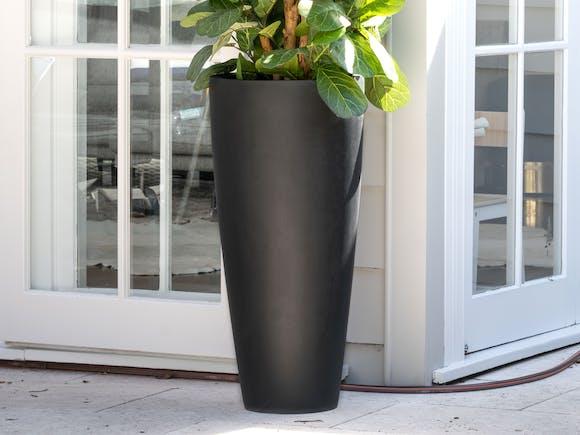 Cono Fiberstone Planter 109L